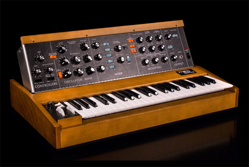 Moog Music Resumes Production of the Iconic Minimoog Model D
