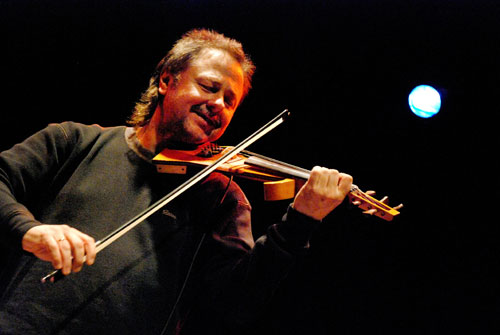 Interview with Emerging Fusion Violinist Sergio Poli